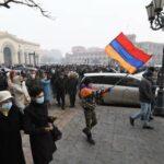 В Ереване сторонники оппозиции перекрыли ряд улиц, пишут СМИ