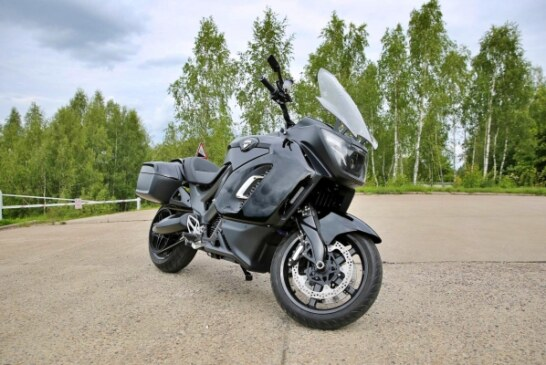 Мотоцикл Aurus на видео: 190 л.с., коляска и «голая» гражданская версия