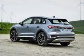 Пополнение в линейке: у компактного кроссовера Audi Q4 e-tron стало больше версий