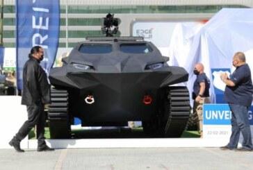 Стивен Сигал представил в Абу-Даби украинский электроброневик