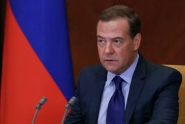 «Единая Россия» не закончит деятельность как КПСС, заявил Медведев